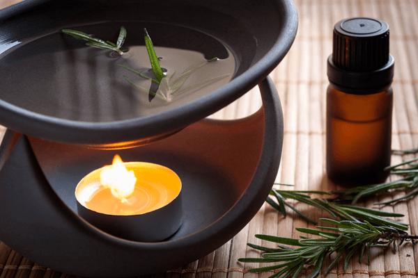 Аромалампа с эфорным маслом